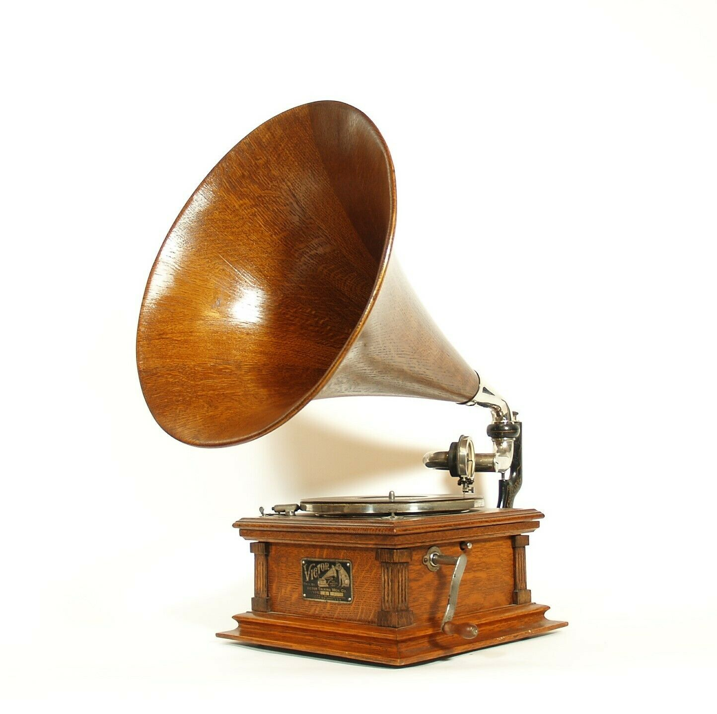 1904 Victor E Phonograph w/Matching Wood Horn & Stunning